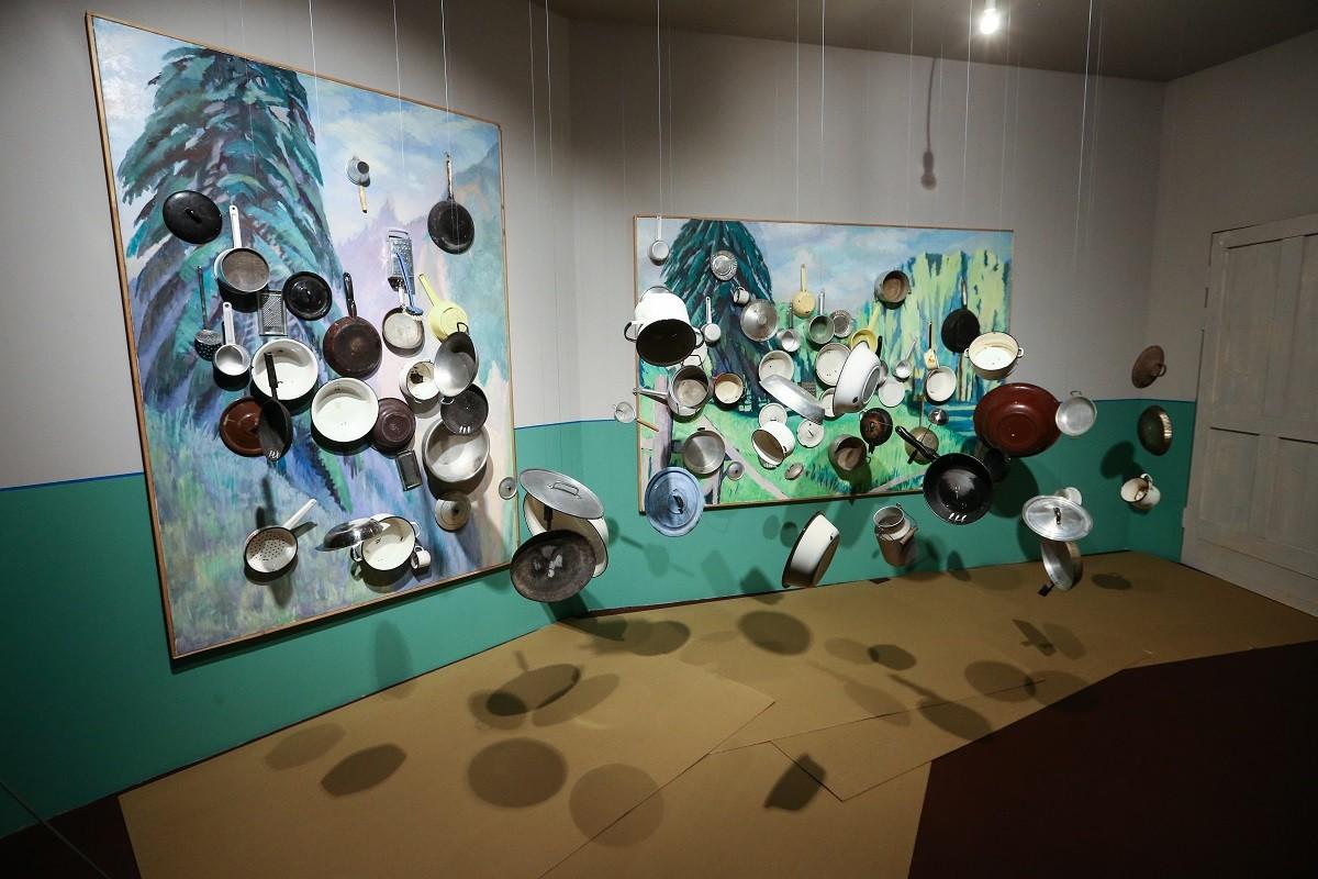"""Umjetničko djelo pod nazivom """"Soba #6"""" na izložbi """"Neće sve povesti u budućnost"""" konceptualnih umjetnika Ilje i Emilije Kabakov u peterburškom Ermitažu."""
