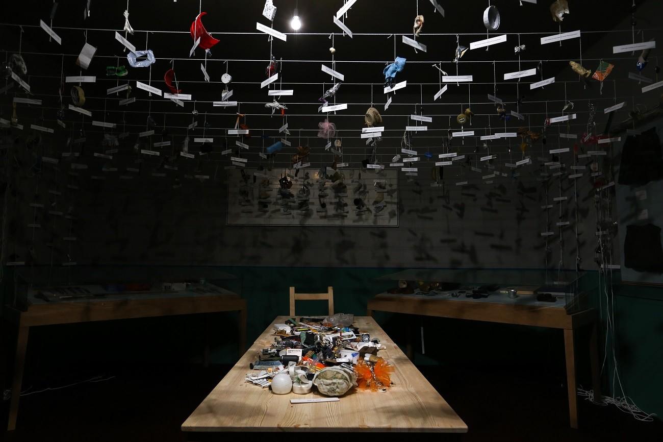 """Umjetničko djelo pod nazivom """"Soba #5"""" na izložbi """"Neće sve povesti u budućnost"""" konceptualnih umjetnika Ilje i Emilije Kabakov u peterburškom Ermitažu."""