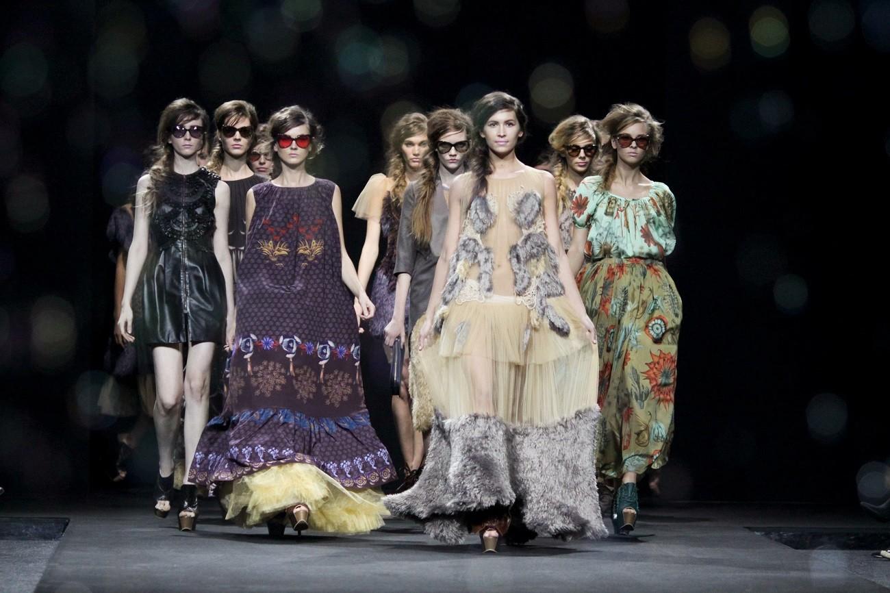 Alena Akhmadullina Fashion Show u Moskvi.