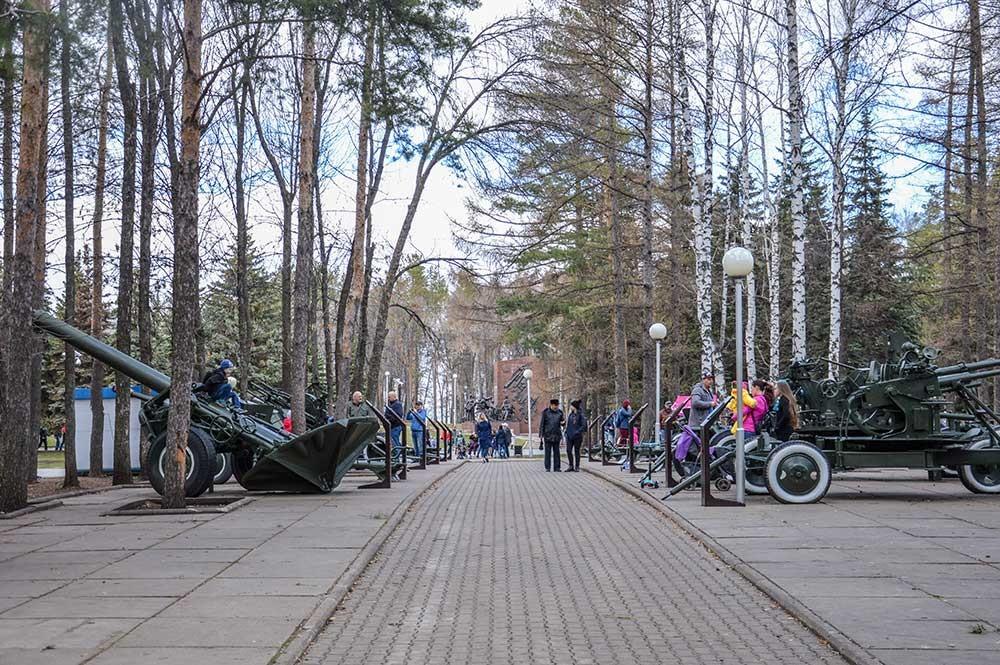 ソビエト連邦軍の勝利を記念する像。
