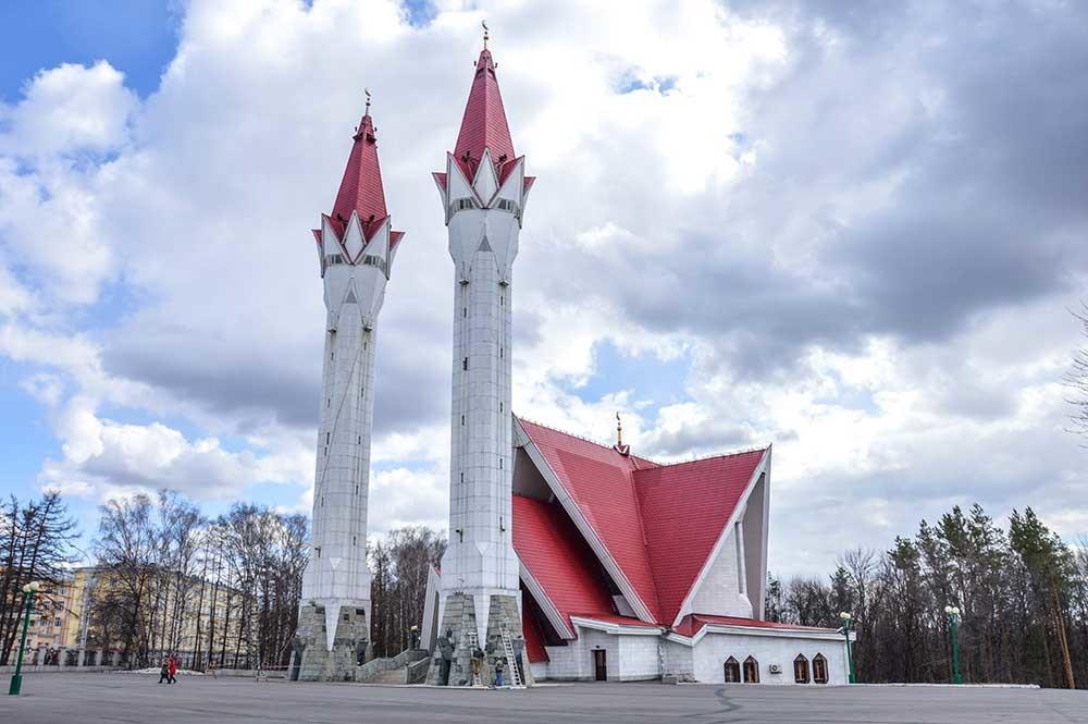 幻想的なリャイリャ・チューリップ・モスク