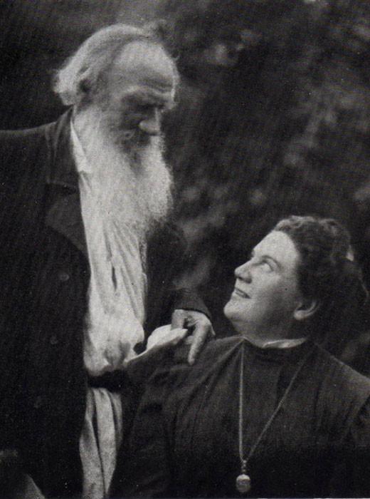 1908. Lev Tolstói con su hija Alexandra.