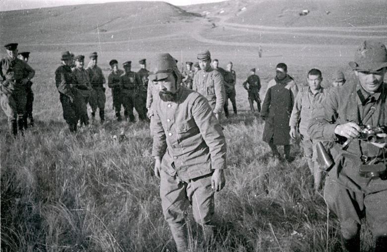 Пленени японски войници