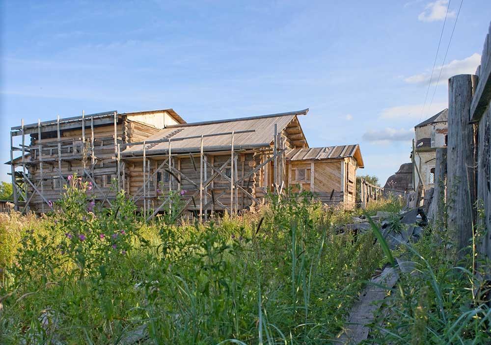 Restos de la iglesia del Profeta Elías (en reconstrucción). Vista norte. 8 de agosto de 2015.