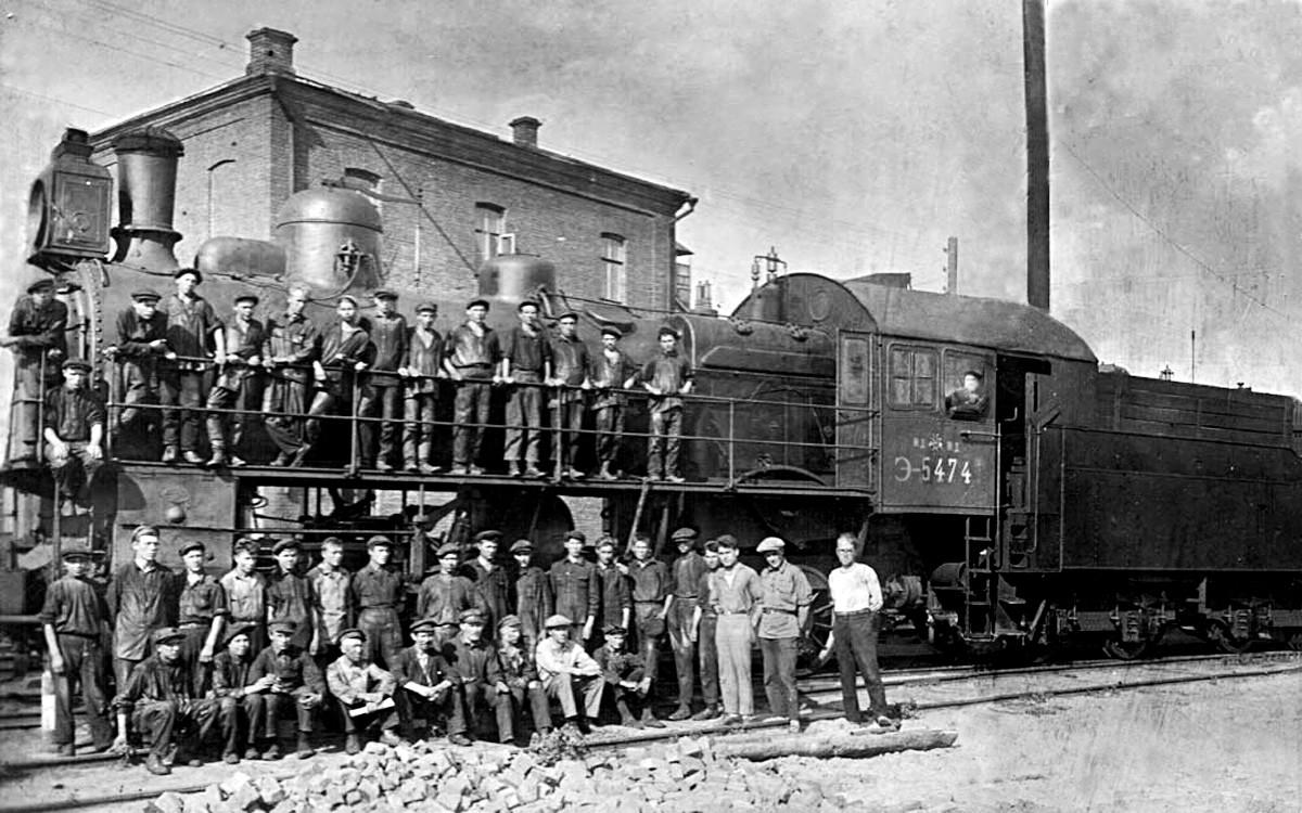 Parna lokomotiva E-5474 u željezničkom depou Arkarsku