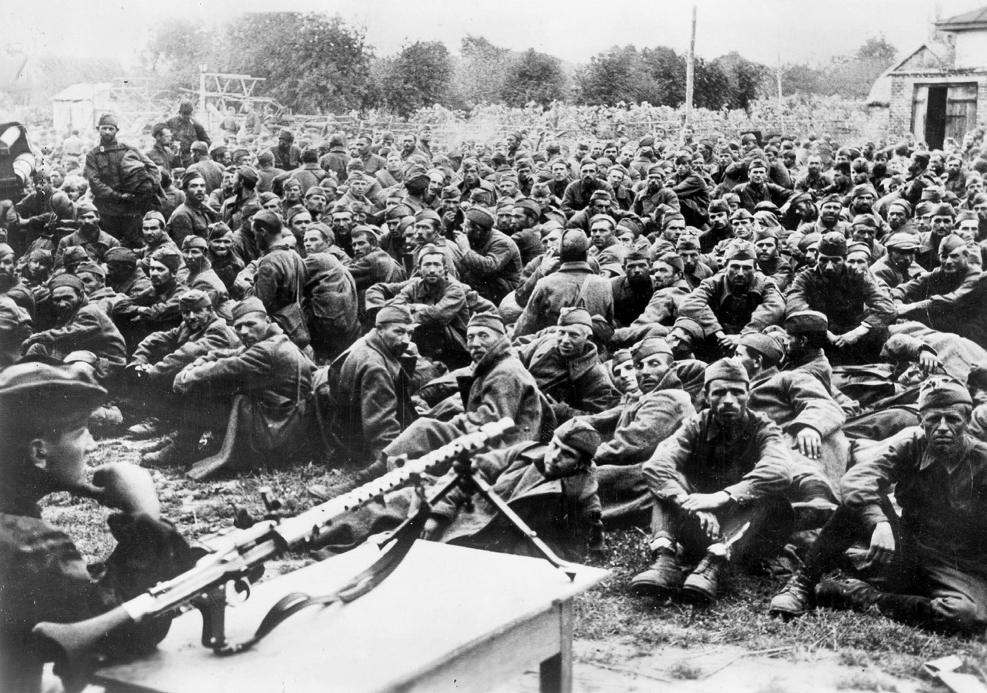 Sowjetische Kriegsgefangene nach der Schlacht um Kiew