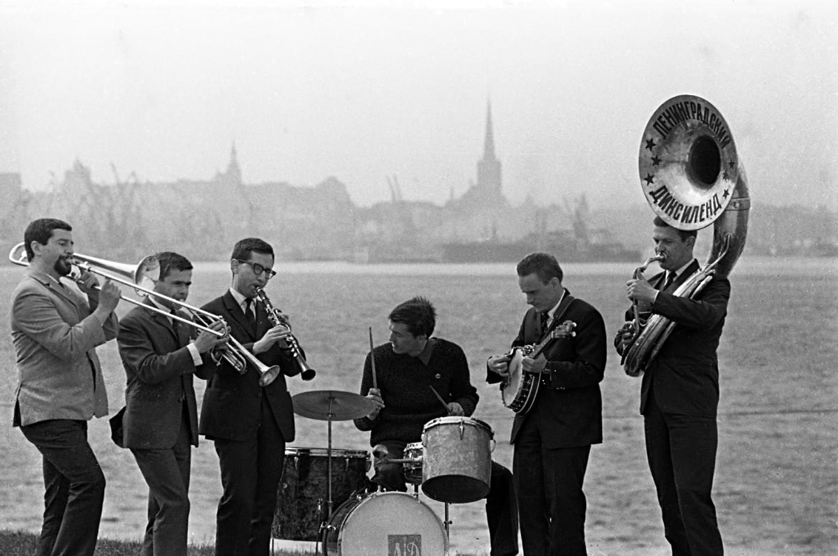 レニングラードのディキシーランド・ジャズ。1967年。
