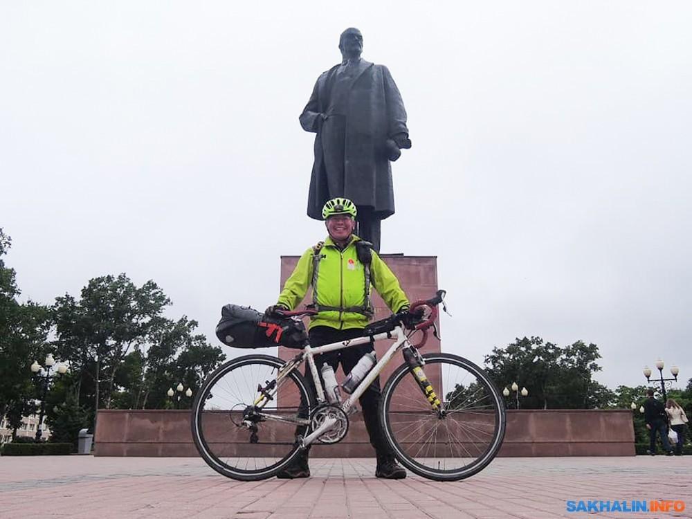 日本の自転車旅行者がサハリン自...