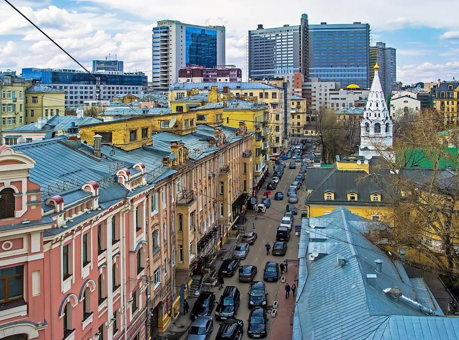 Spasopeskovskaya Square district