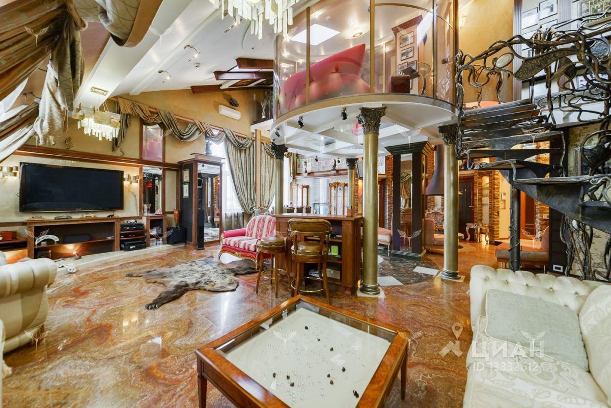 Actualmente hay cinco apartamentos a la venta: de 5,3 millones de dólares a 6,3 millones.