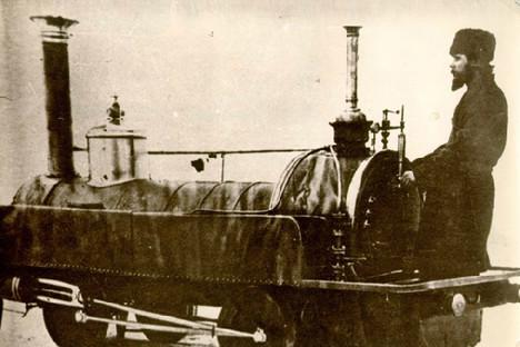 Първият локомотив, 1872 г.