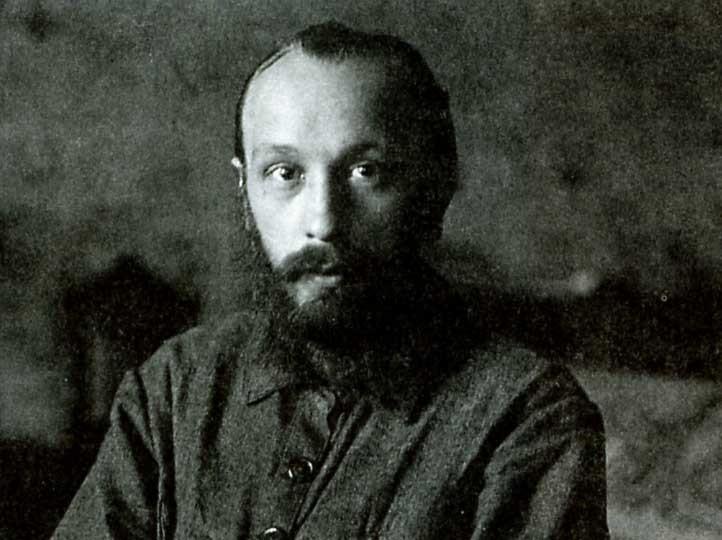 Após prisão, autor foi resgatado somente na década de 1960 por estudantes de Moscou que o ajudaram a se reintegrar ao cenário intelectual do país e a editar suas obras.