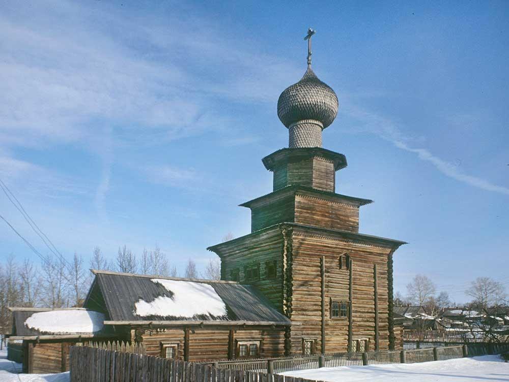 Belozersk. Gereja Nabi Elia, penampakan dari sisi barat daya. 3 Maret 1998.