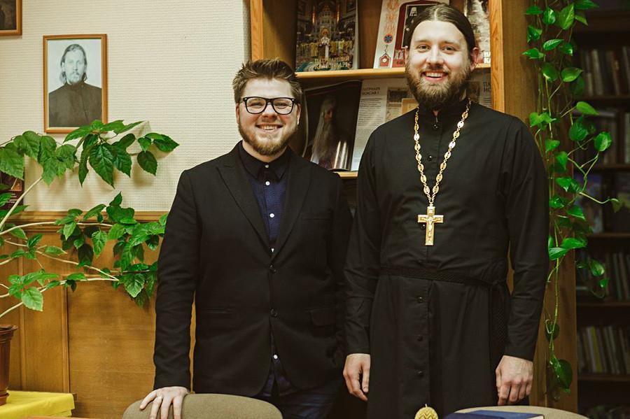 Ígor Kapránov (a la izquierda) en la actualidad.