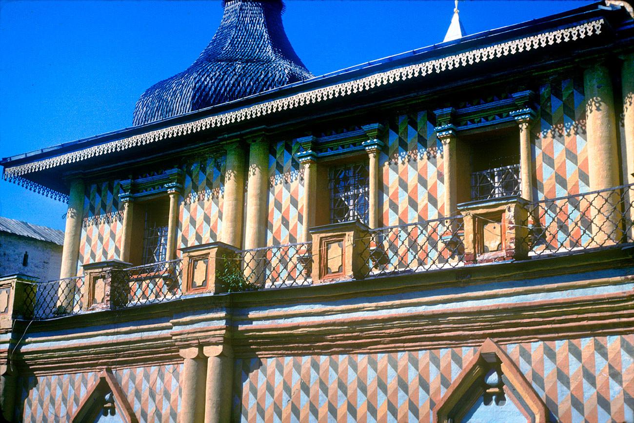 Kremlin de Rostov. Iglesia del Icono de Odighitria, fachada sur, planta alta y galería. 21 de agosto de 1988.