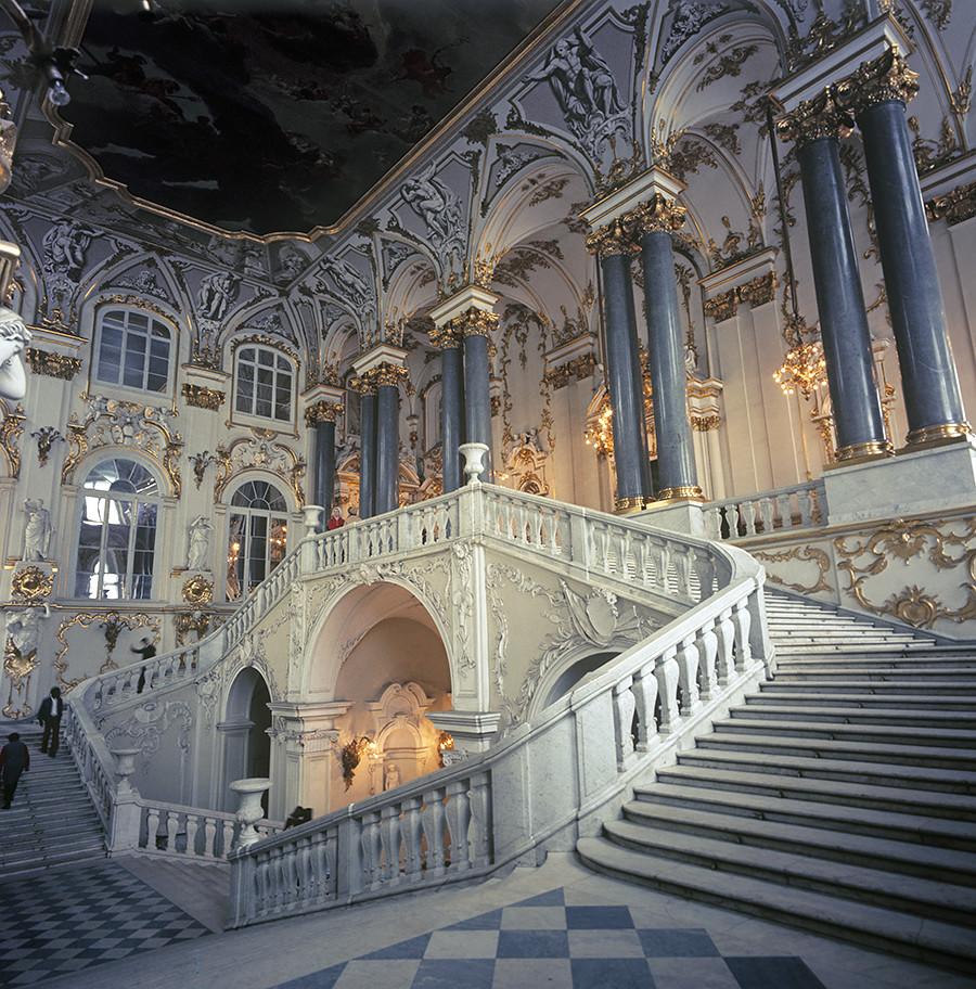冬宮の内装。