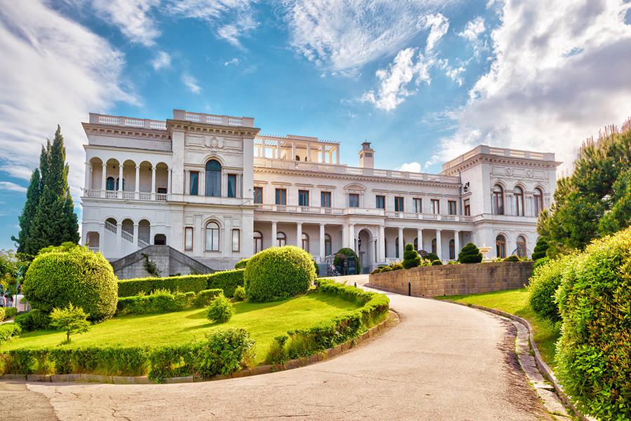 リヴァディア宮殿の外部。