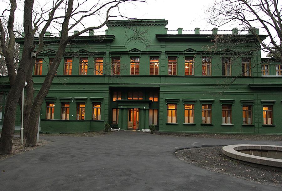 クンツェヴォのダーチャの外部。