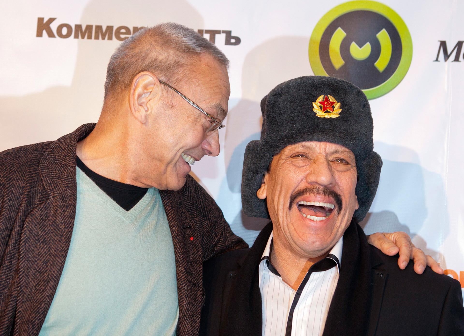 Danny Trejo (a la derecha) y Andréi Konchalovski, director ruso.