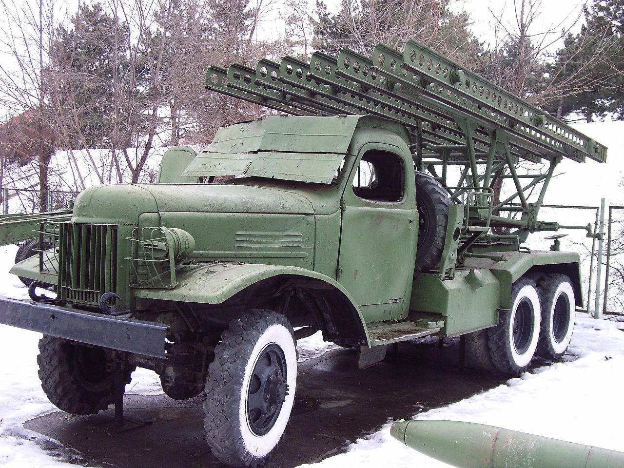 Studebaker US6 je služil kot osnova razvoju sovjetskih tovornjakov ZiS-151