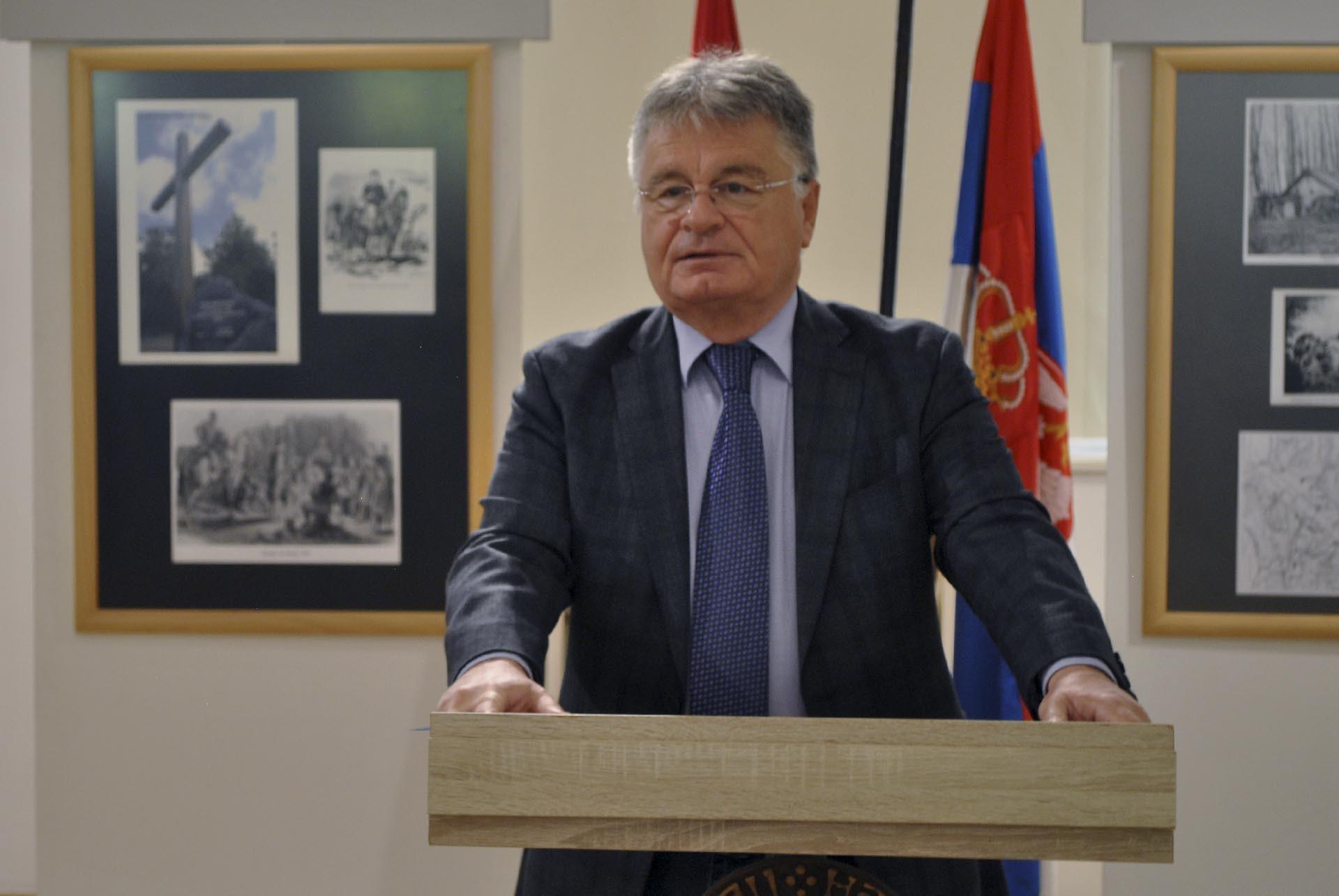 Дејан Лучић