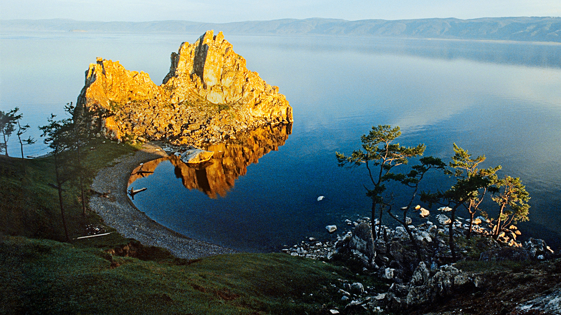 Danau Baikal Keajaiban Alam Penuh Pesona Harta Karun Siberia