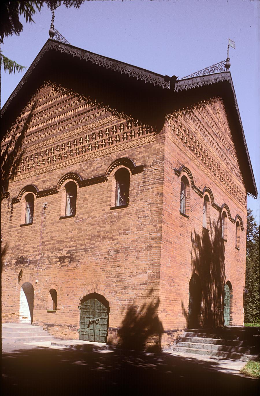 Palazzo dei Principi di Uglich, vista sud-ovest. 30 luglio 1997