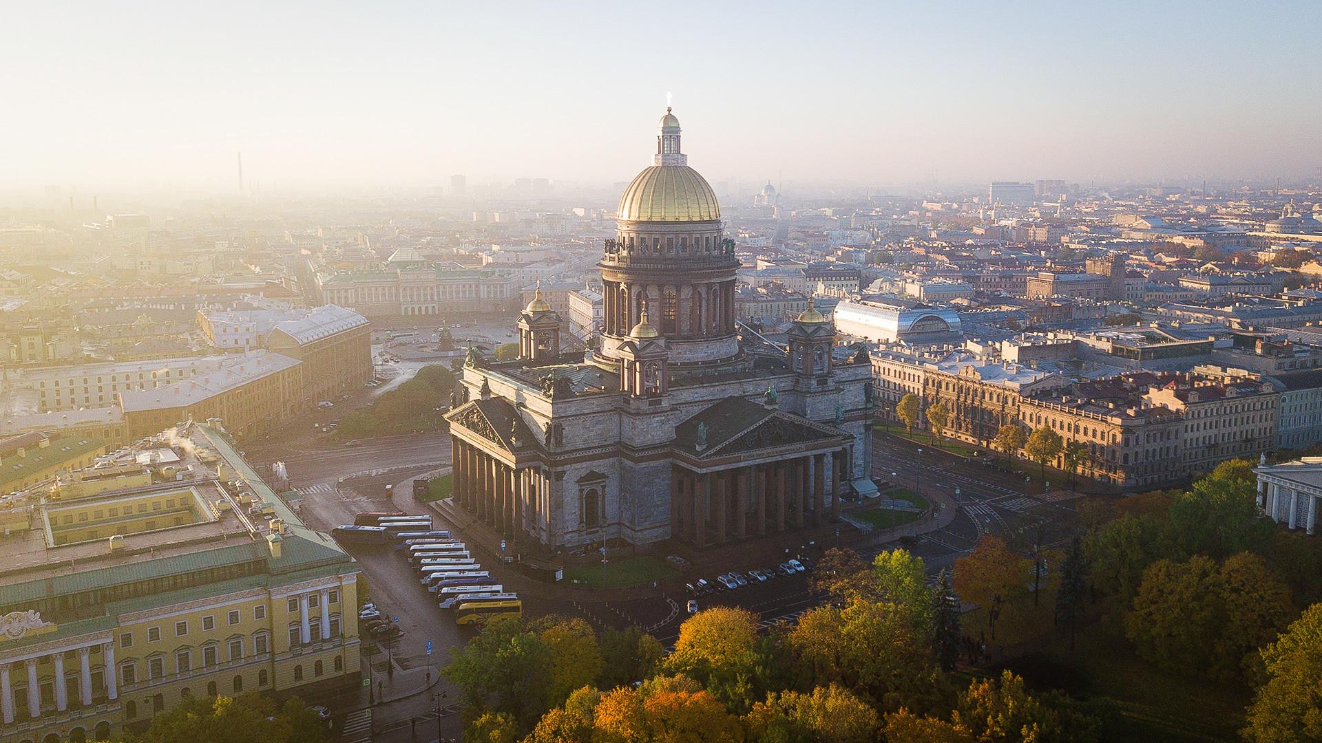удобный выбор картинки рабочего стола видом санкт петербурга сведениям