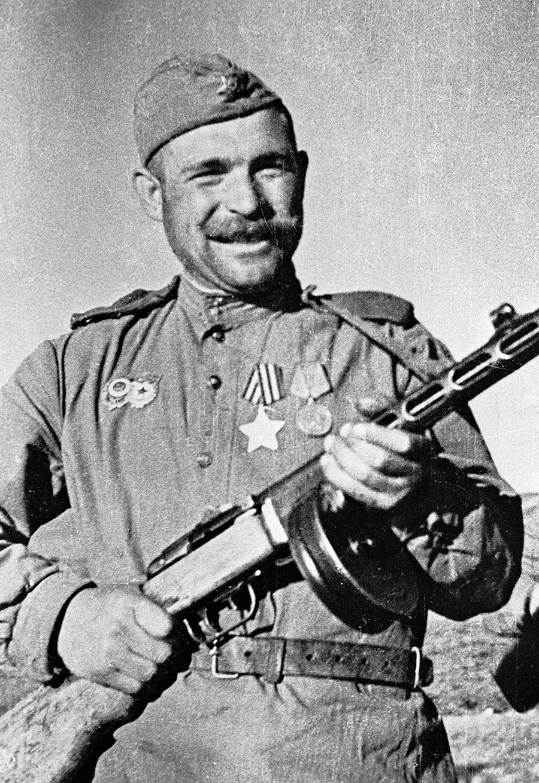 Војник Иван Соколов са ППШ-41, 1. Далекоисточни фронт