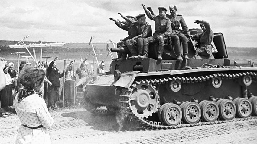 Самые желанные трофеи с полей Второй Мировой: за чем охотились русские и немцы
