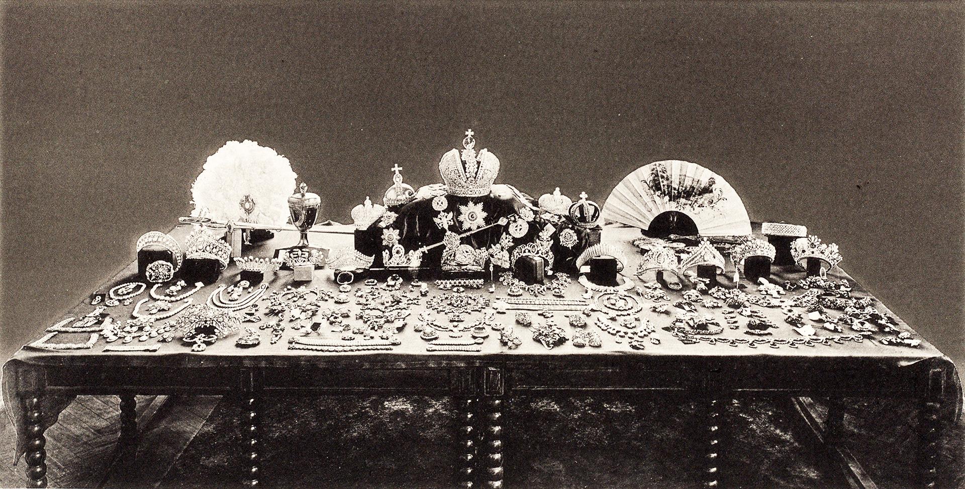 Trésors impériaux: ces joyaux de la couronne de Russie ayant été perdus, vendus ou mis sous clef