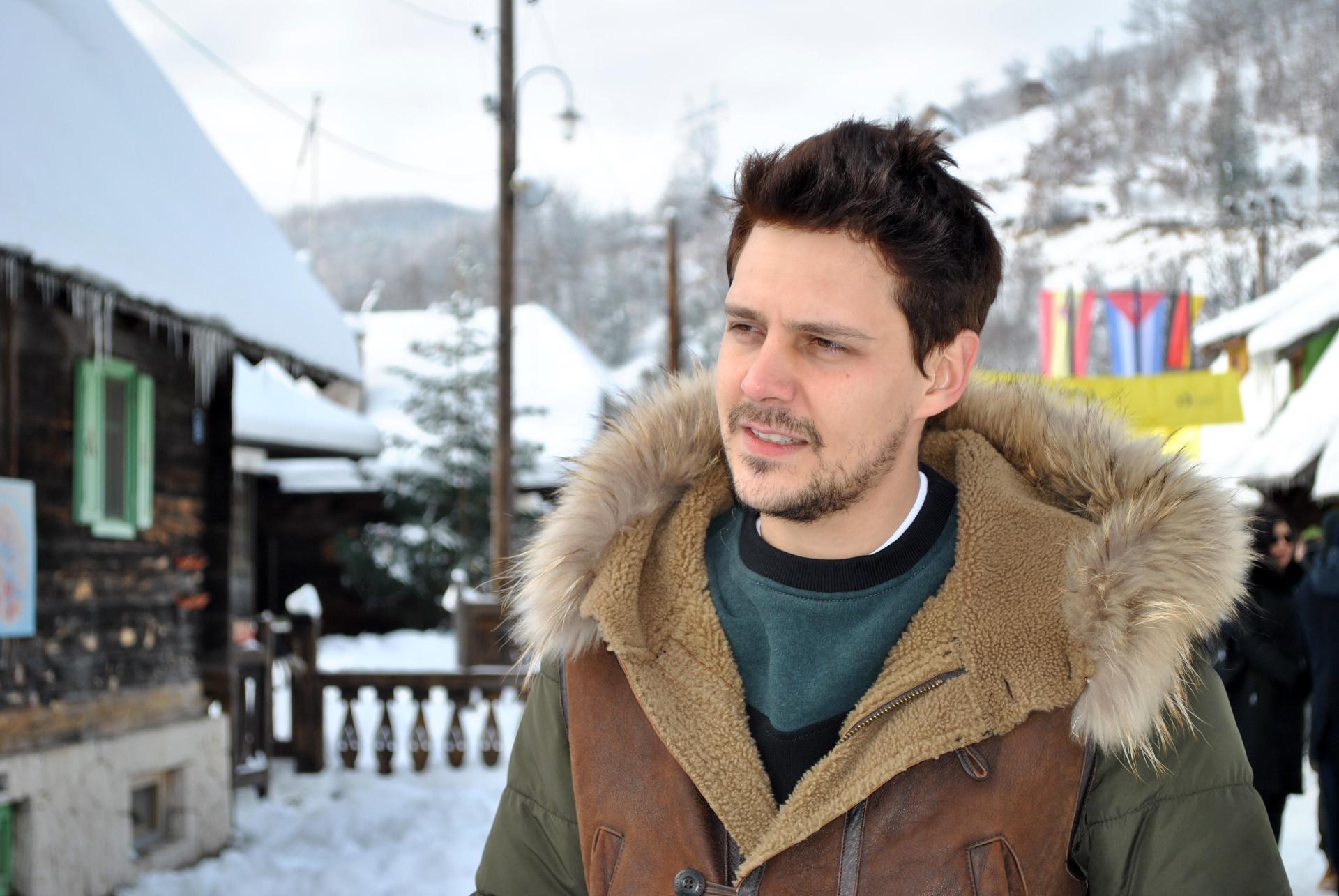 Милош Биковић