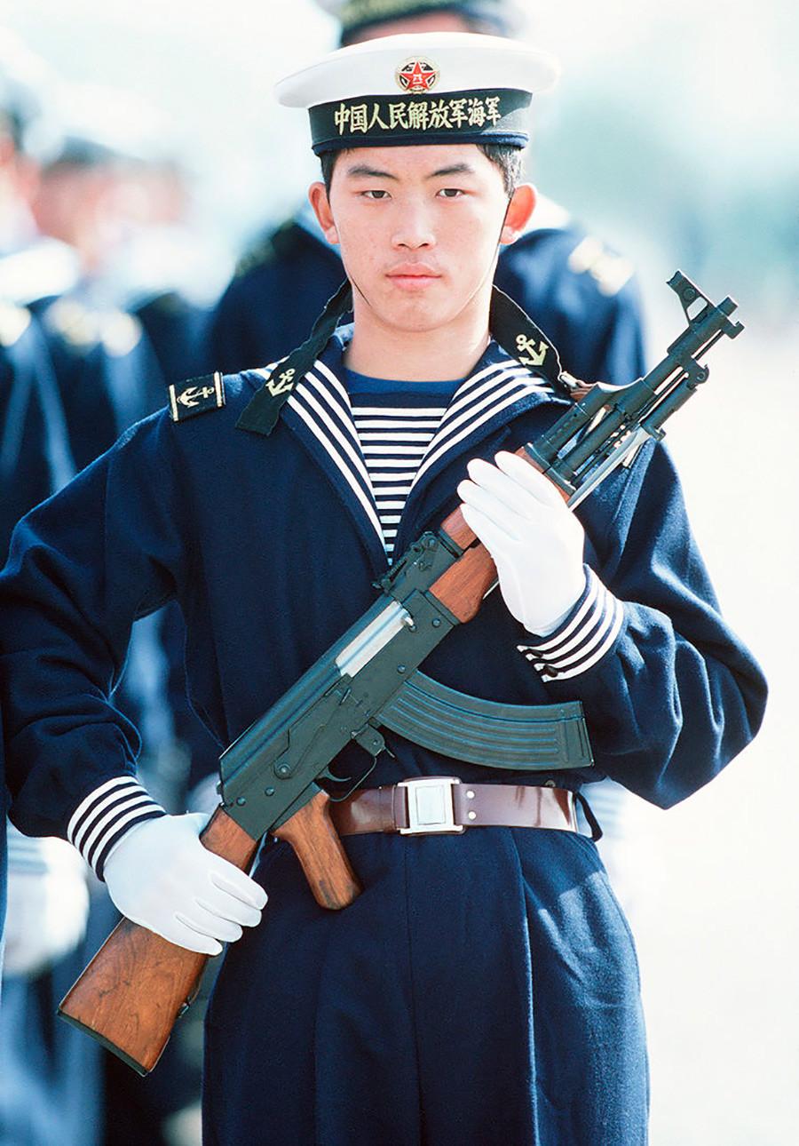 世界の知られざるAK-47派生モデル(写真特集)