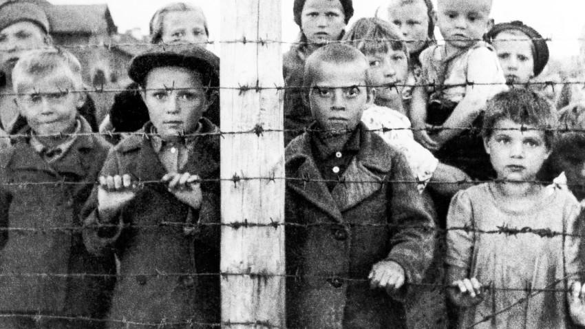 Resultado de imagem para Os Schindlers russos que salvaram os judeus do Holocausto