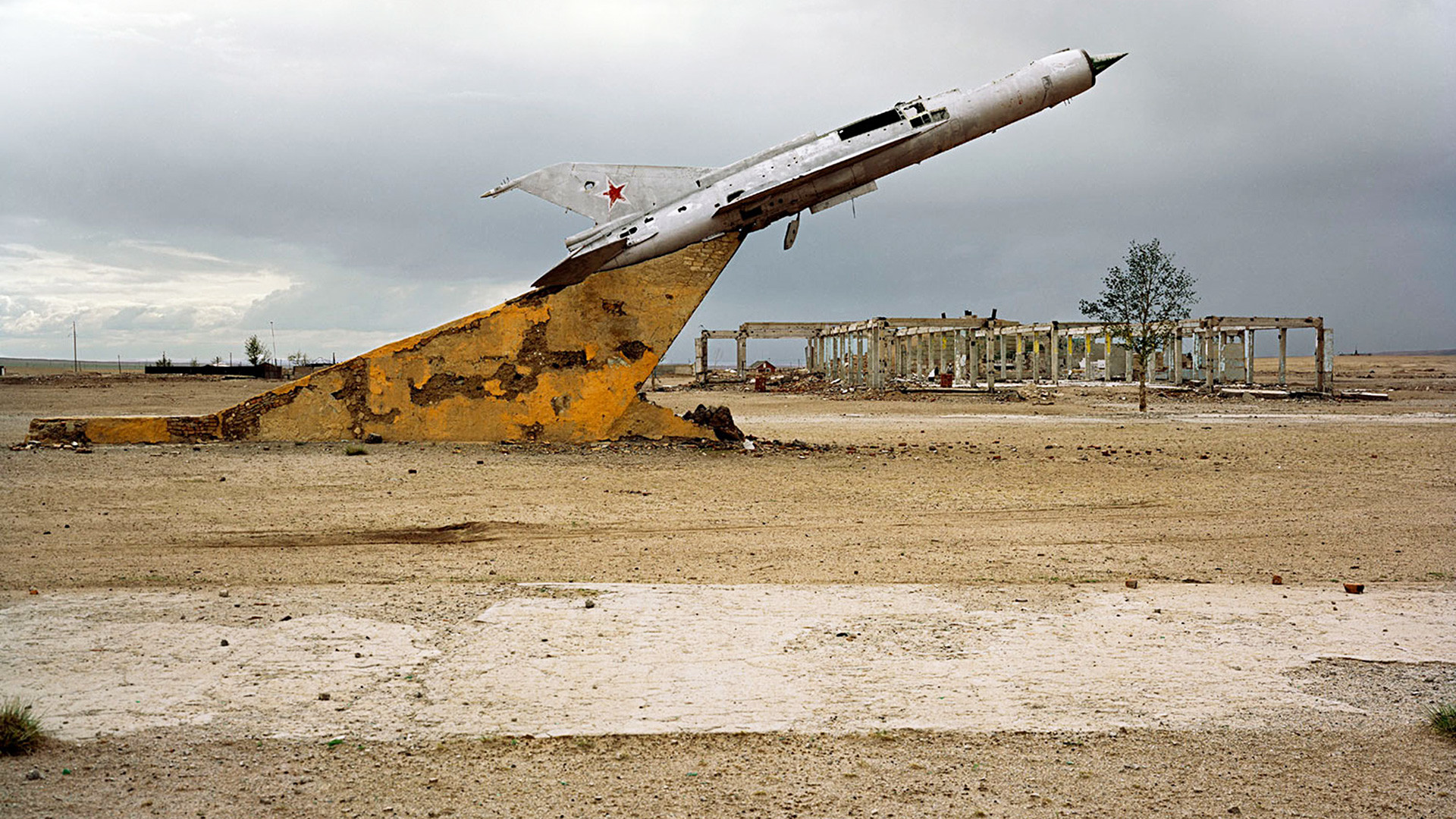写真で見るソビエト軍事施設の廃墟 - ロシア・ビヨンド
