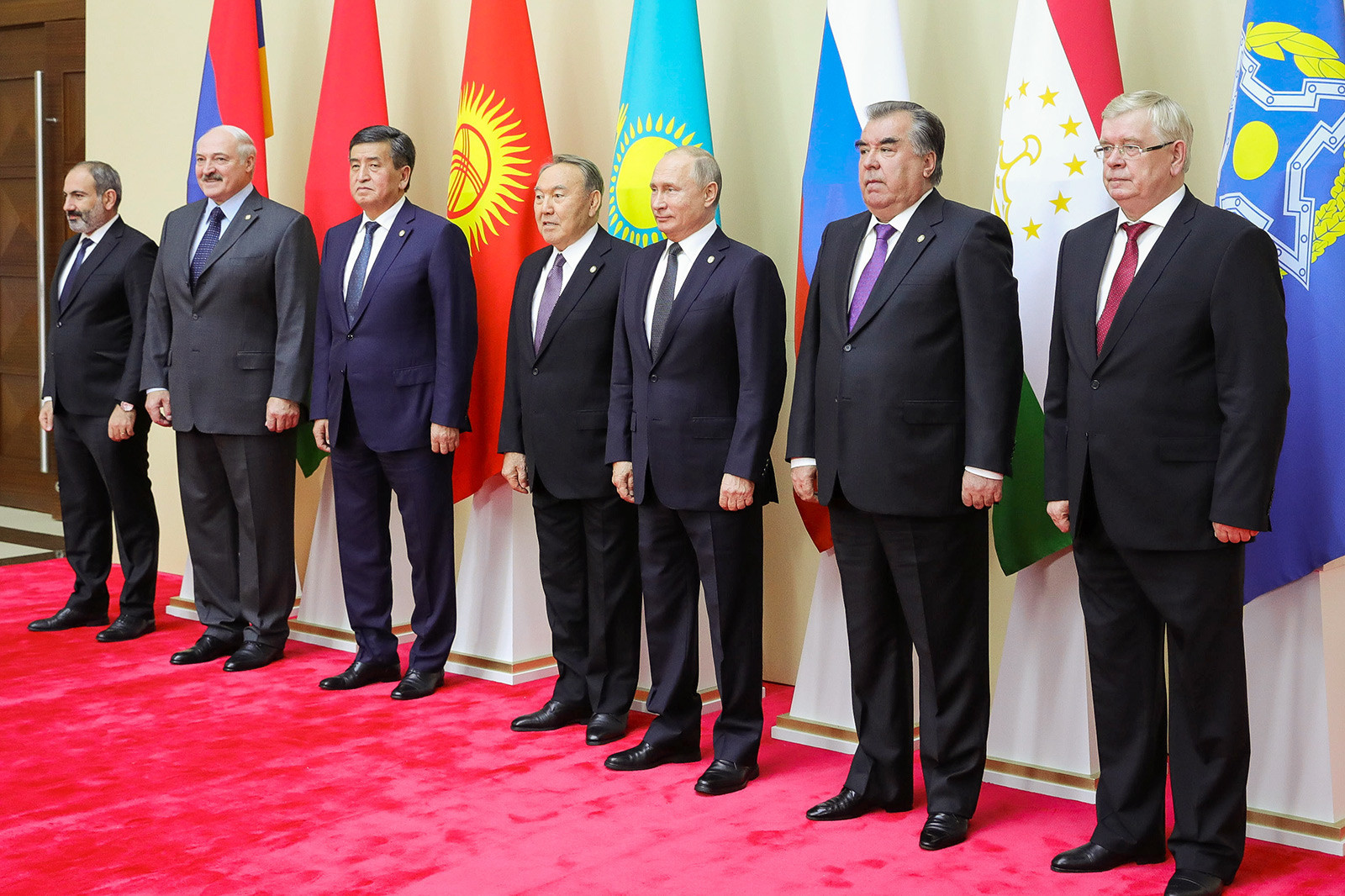 Líderes dos países-membros da OMC durante cúpula