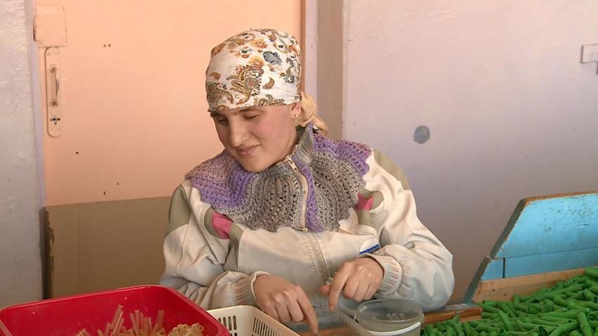 Valerija Korotajeva, lokalna slepa delavka