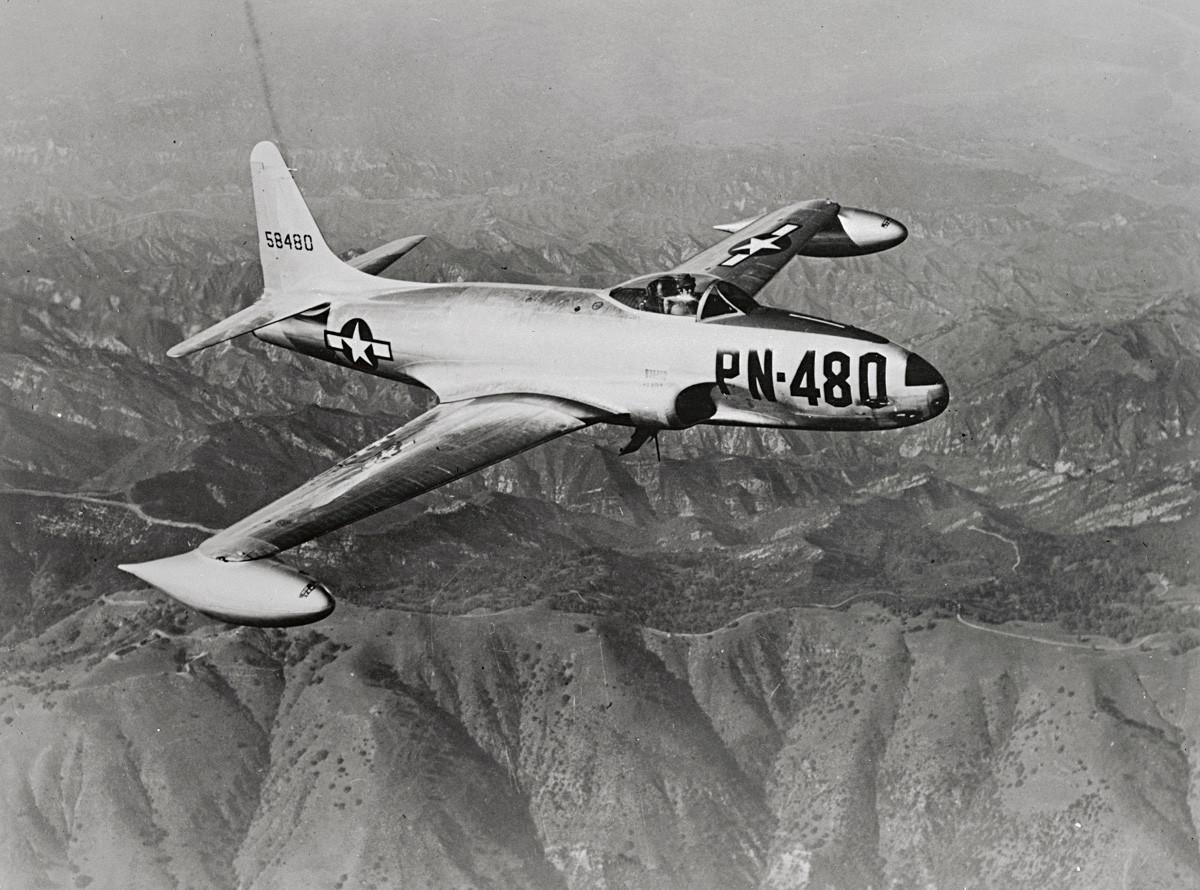 Jet tempur Lockheed P-80B Shooting Star.