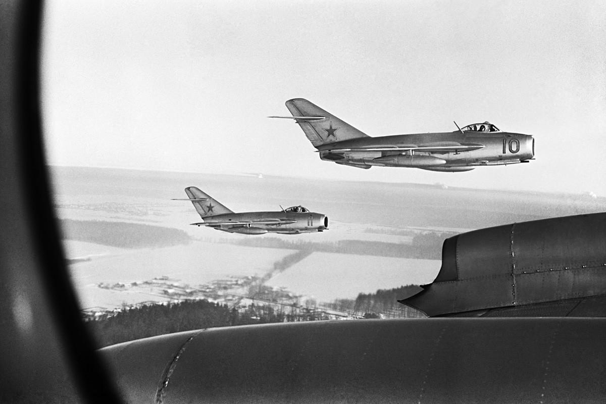 Die sowjetischen Mikojan-Gurewitsch MiG-15-Jagdflugzeuge im Einsatz