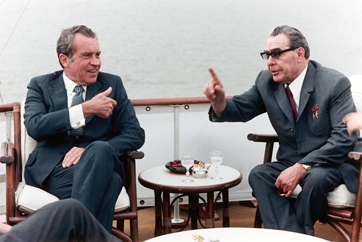 Ричард Никсън и Леонид Брежнев