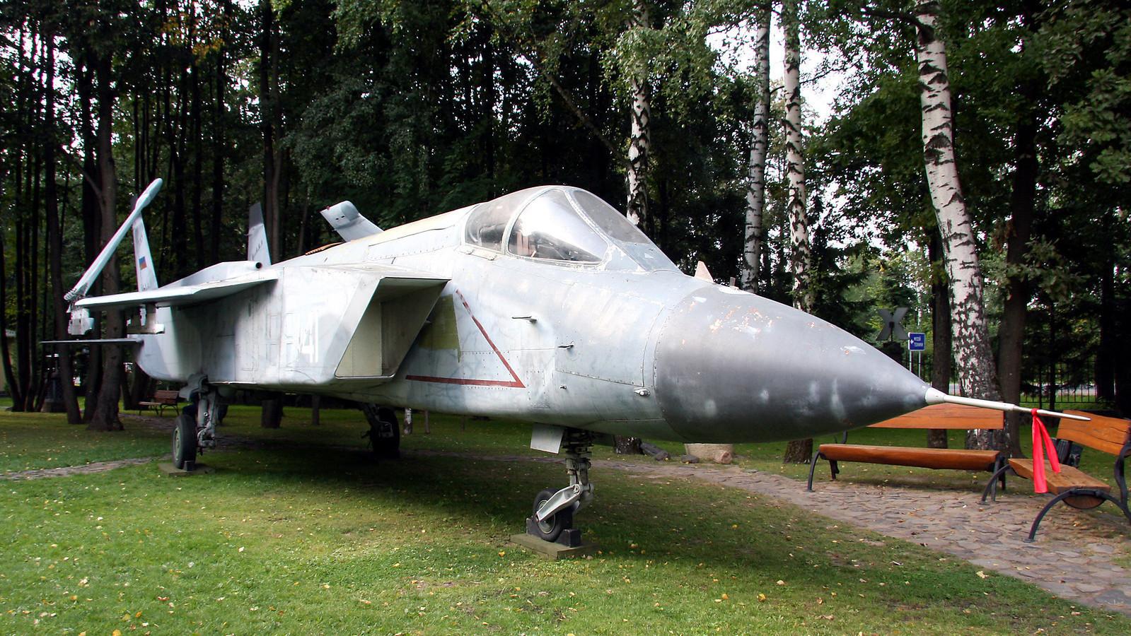 Јак-141 во музејот на Вадим Задорожни
