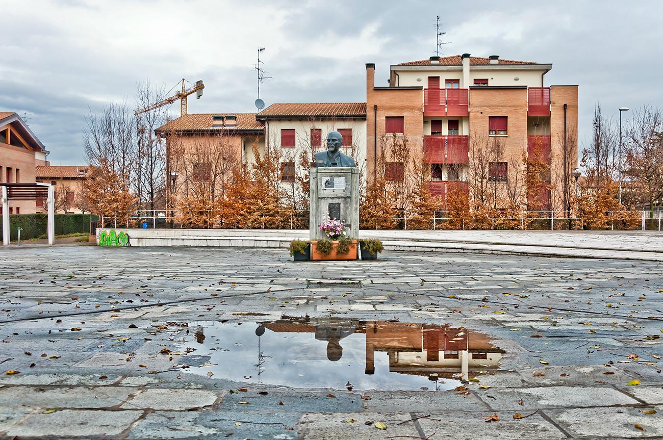 Monumento a Vladímir Lênin em Cavriago, Itália.