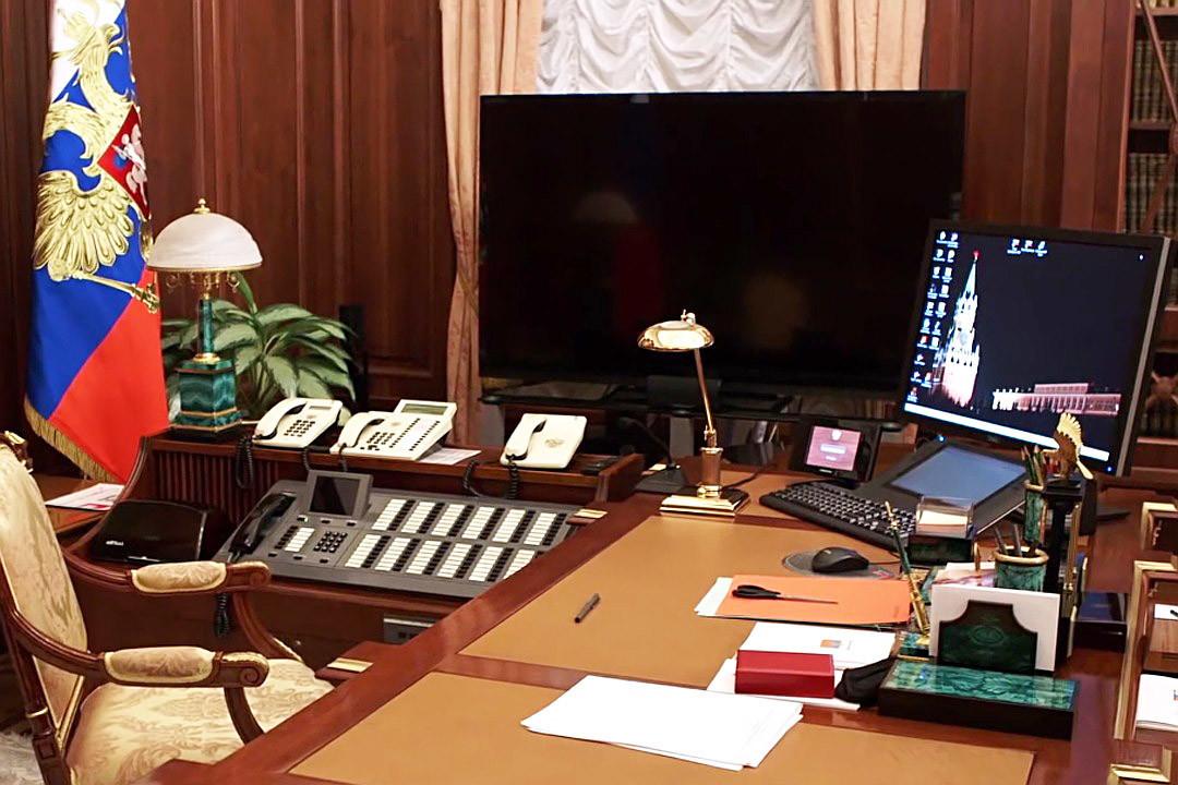 Кабинетот на Путин во Кремљ.