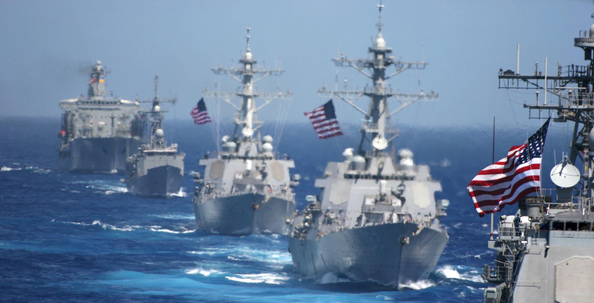 Skupina bojnih ladij, ki jih vodi letalonosilka Kitty Hawk, 2006