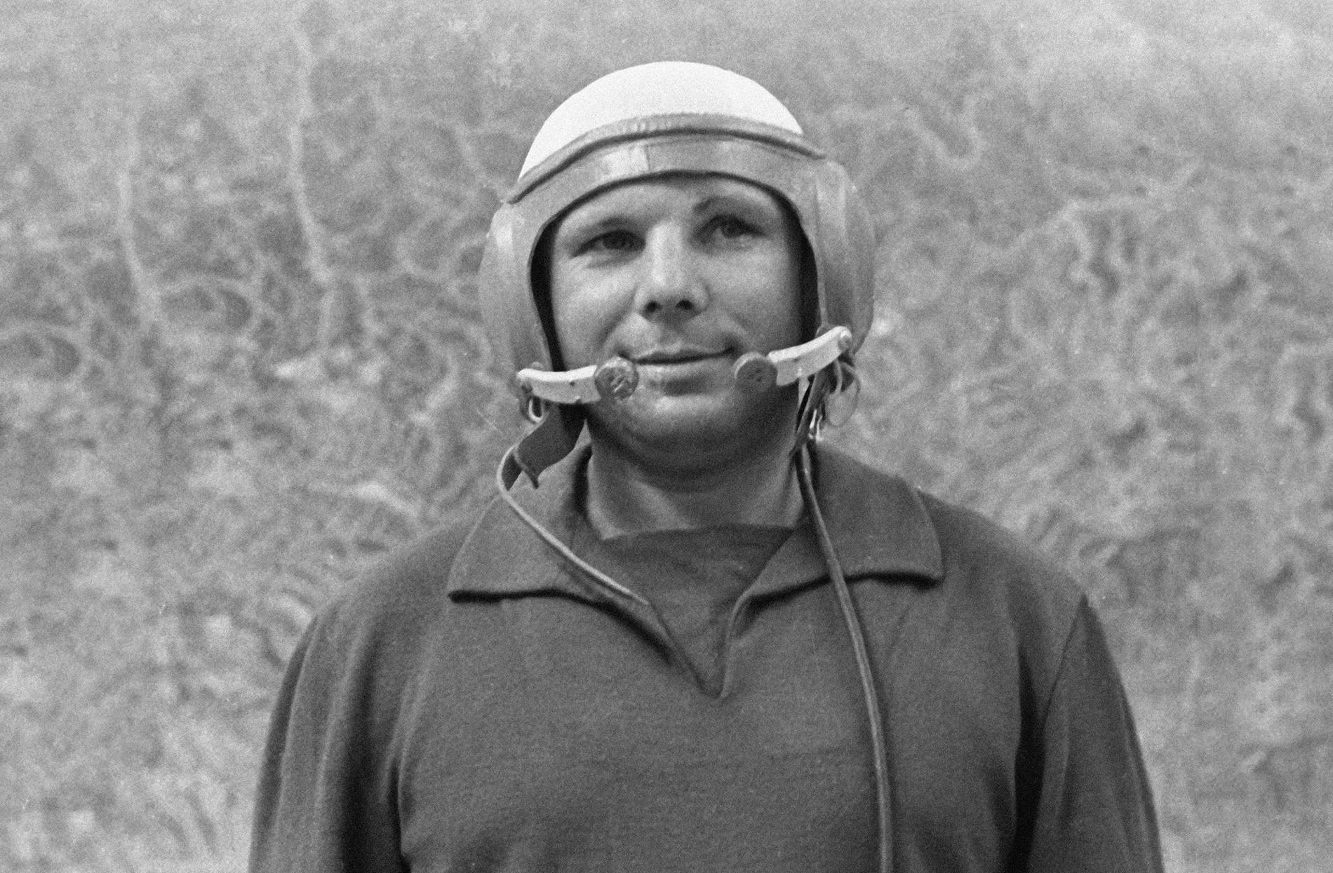Пилотот и космонаут Јуриј Гагарин, 1 јуни 1962 година
