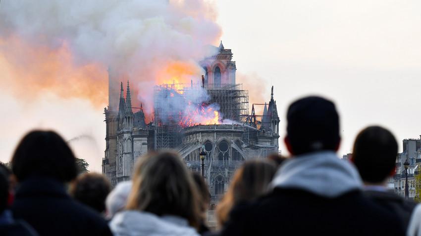 Paris Ist Fur Mich Gestorben Wie Haben Die Russen Auf Den Brand In