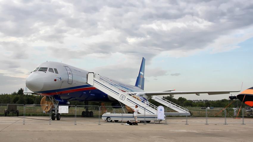 Tu-214ON.