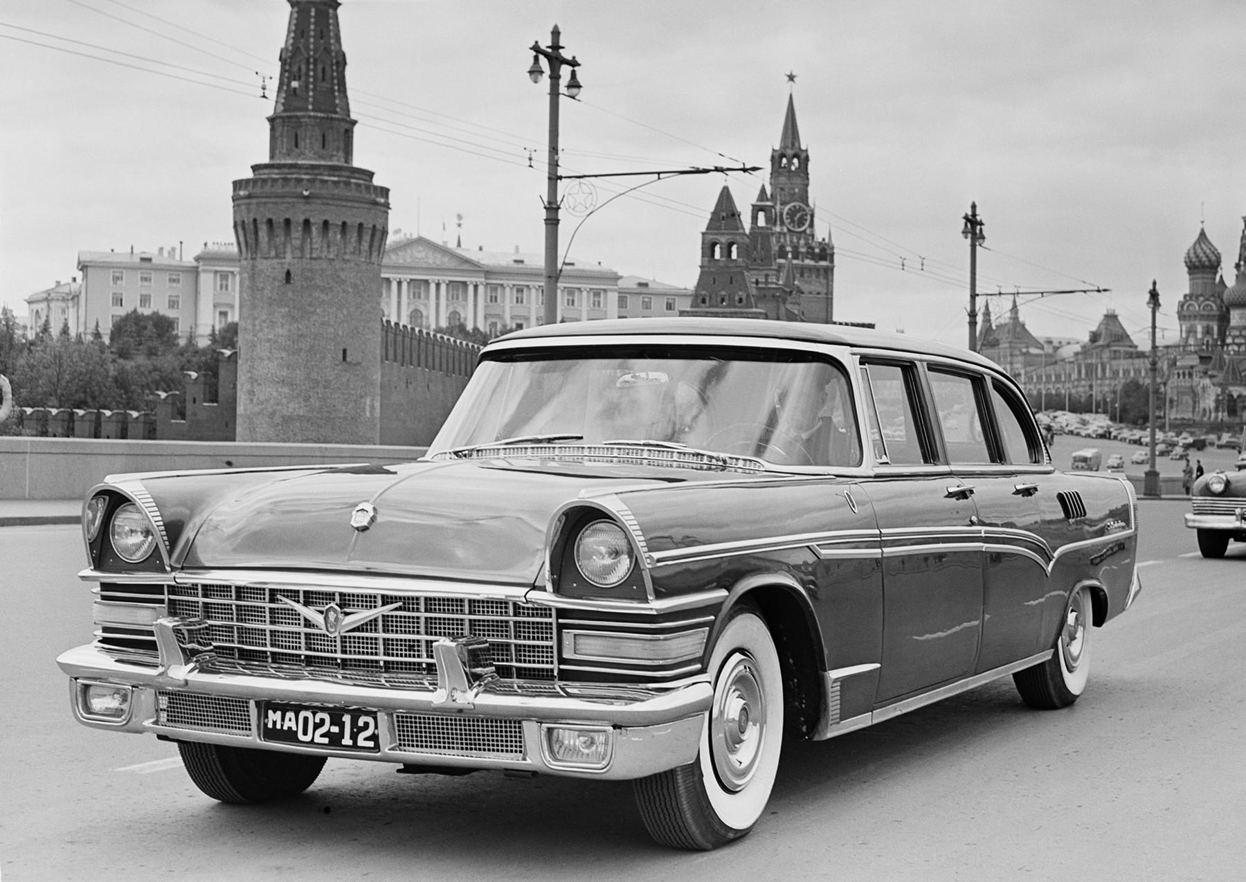ZIL-111、1958年。