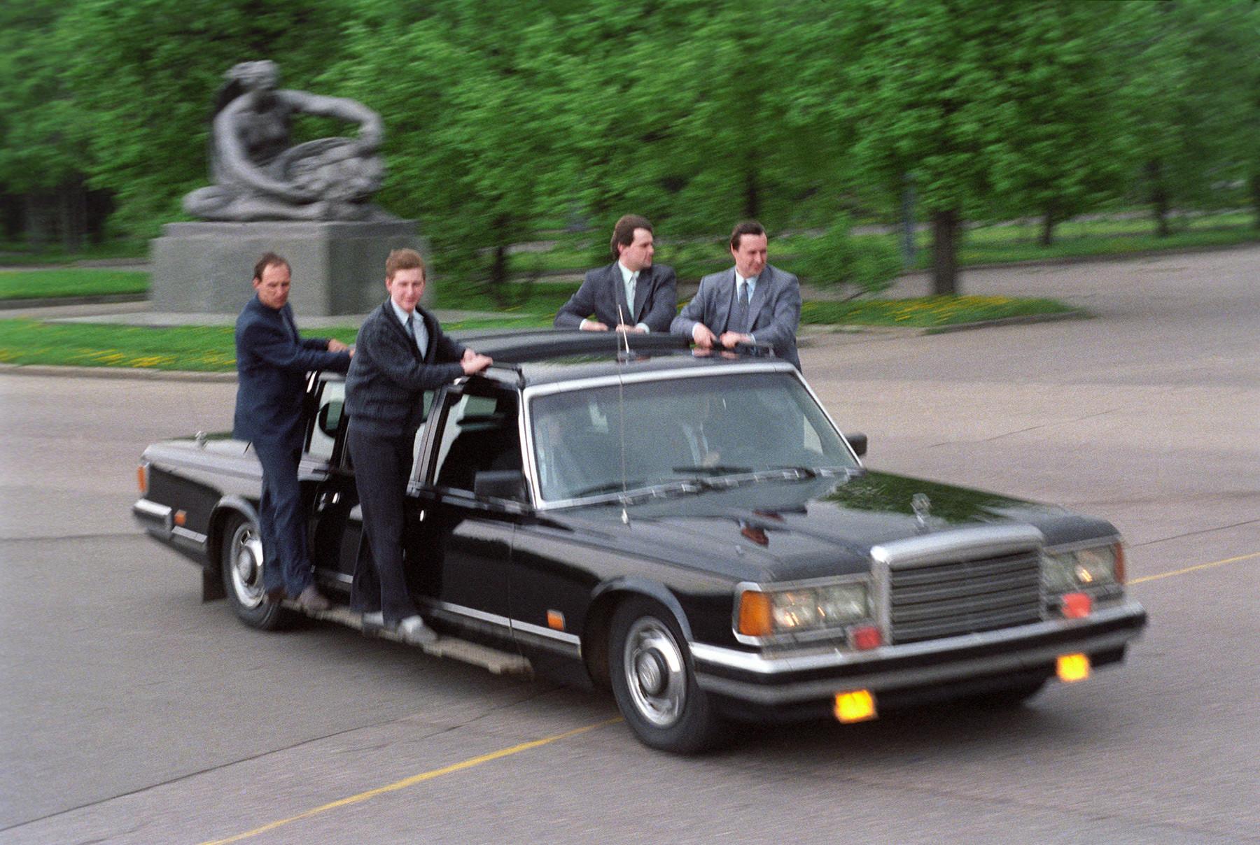 1991年。ロシア連邦警護庁の職員たち。ロシア連邦警護庁の前身はソ連国家保安委員会 (KGB) 第9局だ。