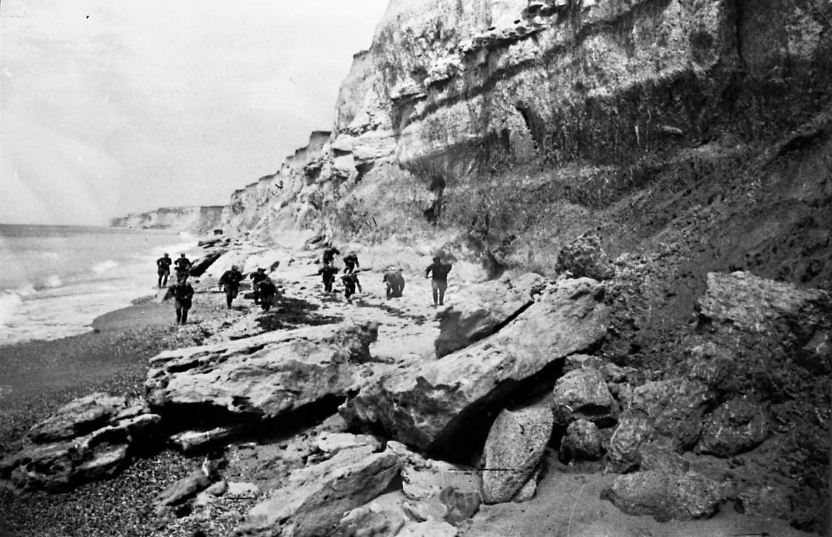 Sovjetski vojaki med prodorom proti Sevastopolju